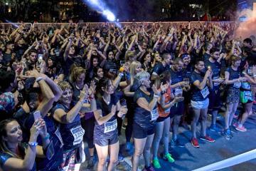 8 mil corredores disfrutaron de la carrera nocturna